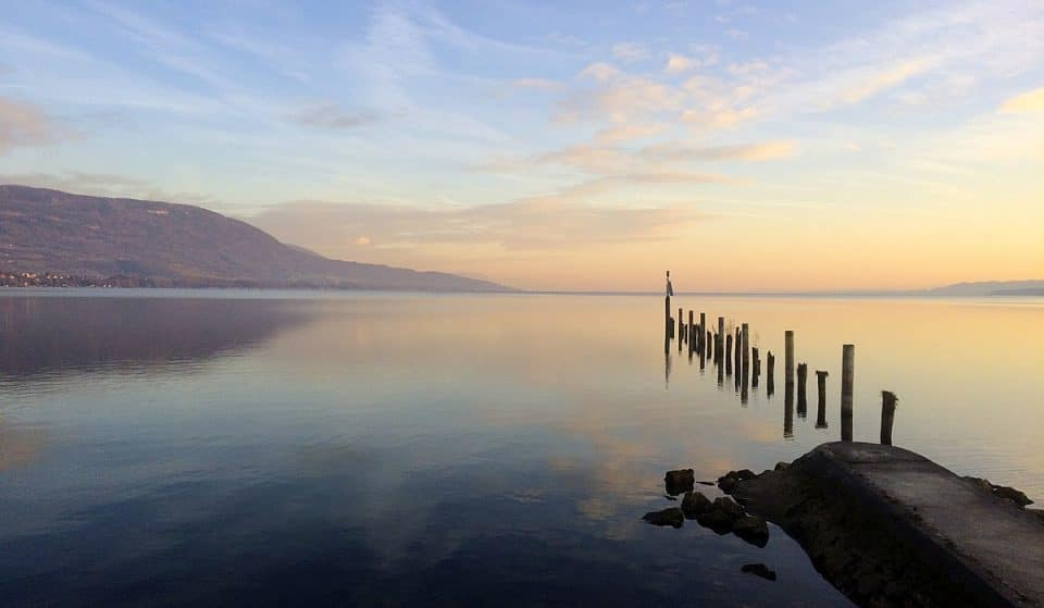 Découvrez les villages sur les rives du Lac de Neuchâtel !