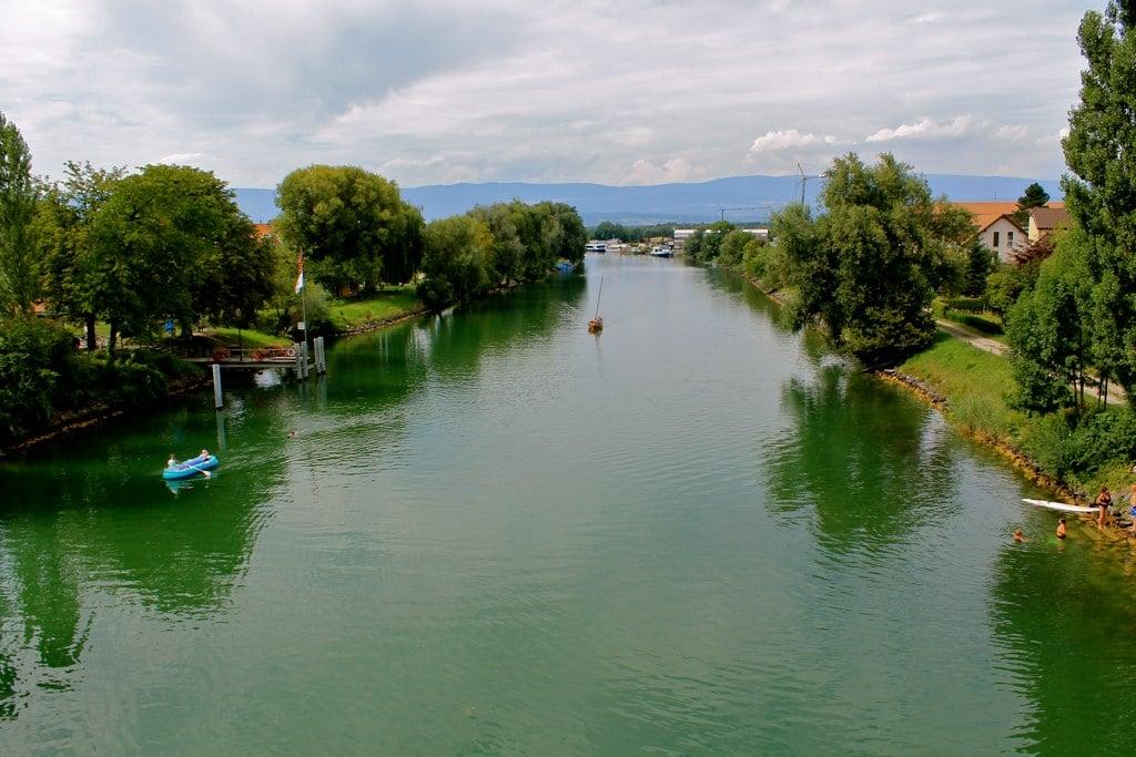 Ville de Morat - lac de morat - mont de vully - suisse - genève - randonnée - vin - escapade - excursion