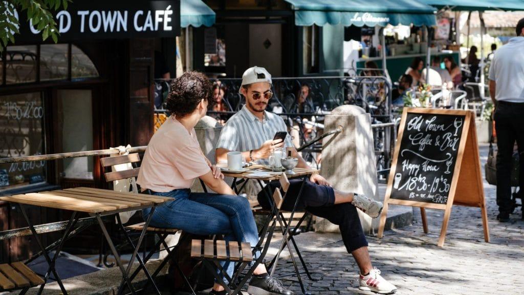 réouverture terrasses restaurants bars genève suisse covid sport cinéma théâtres concerts sport