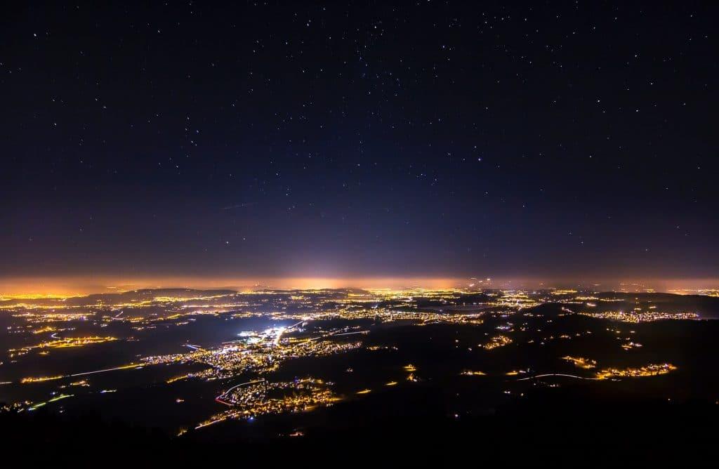 genève la nuit est belle étoiles espace éclairage public pollution lumineuse