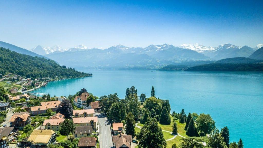 suisse tourisme genève roger federer robert de niro clip video