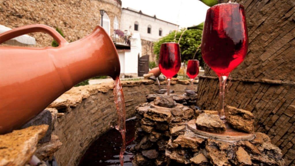 fontaine à vin italie gratuite illimitée village