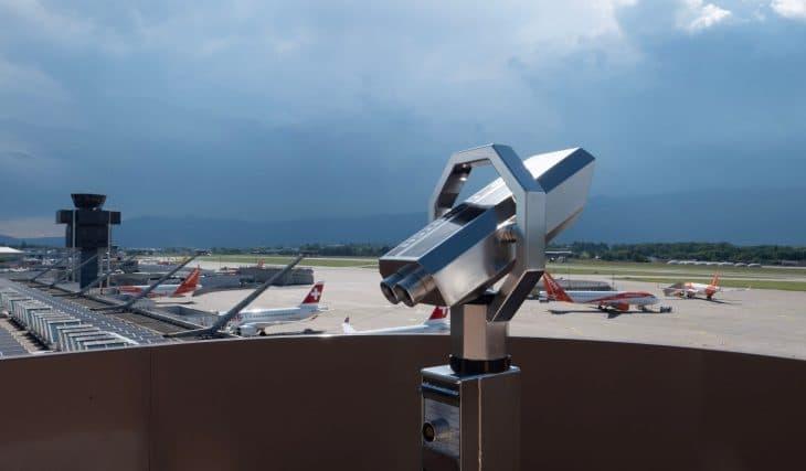 Une terrasse panoramique ouvre sur un terminal de l'aéroport de Genève !