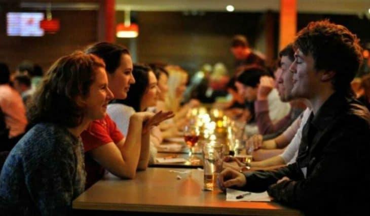 Drink & Match Duo : Au Fairmont Grand Hotel, le speed dating en binôme arrive à Genève !