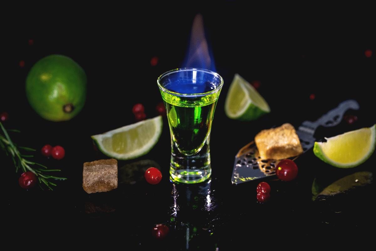 Absinthe dans un verre