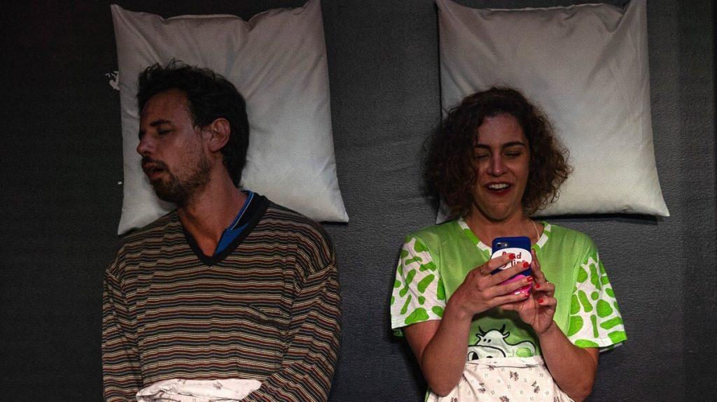Théâtre : préparez-vous à rire avec la comédie «Amour et Réseaux Sociaux» pour la première fois à Lille !