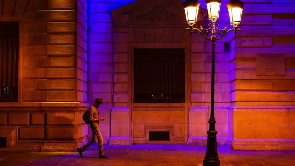 Coronavirus : Un couvre-feu à 18 heures annoncé à travers la France dès ce samedi