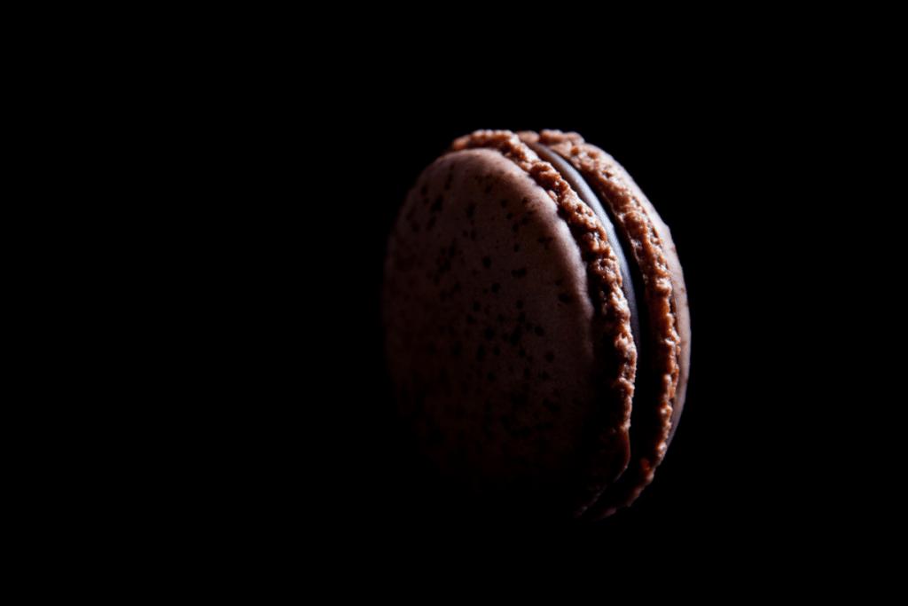 Recette : les macarons au chocolat par Philippe Conticini !