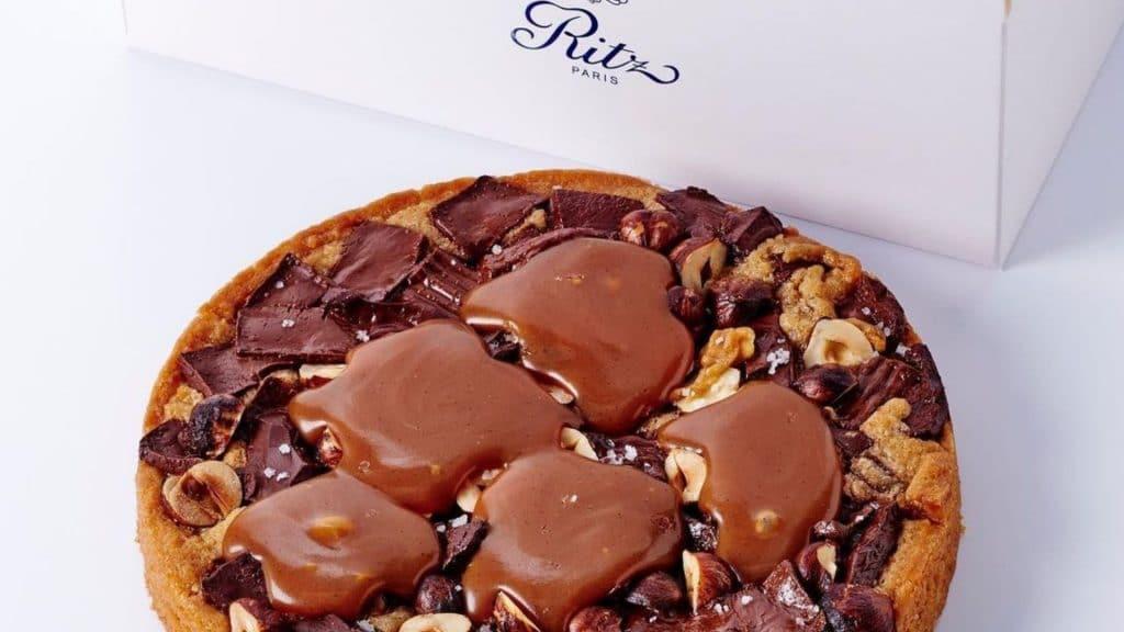 La recette du cookie géant chocolat-noisettes du chef pâtissier du Ritz Paris François Perret !