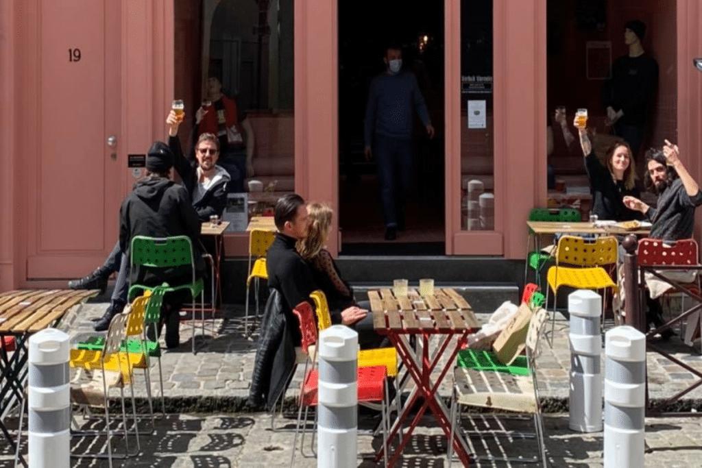 Pour la réouverture des terrasses sous la pluie, le Bierbuik – Bloemeke a trouvé la solution !