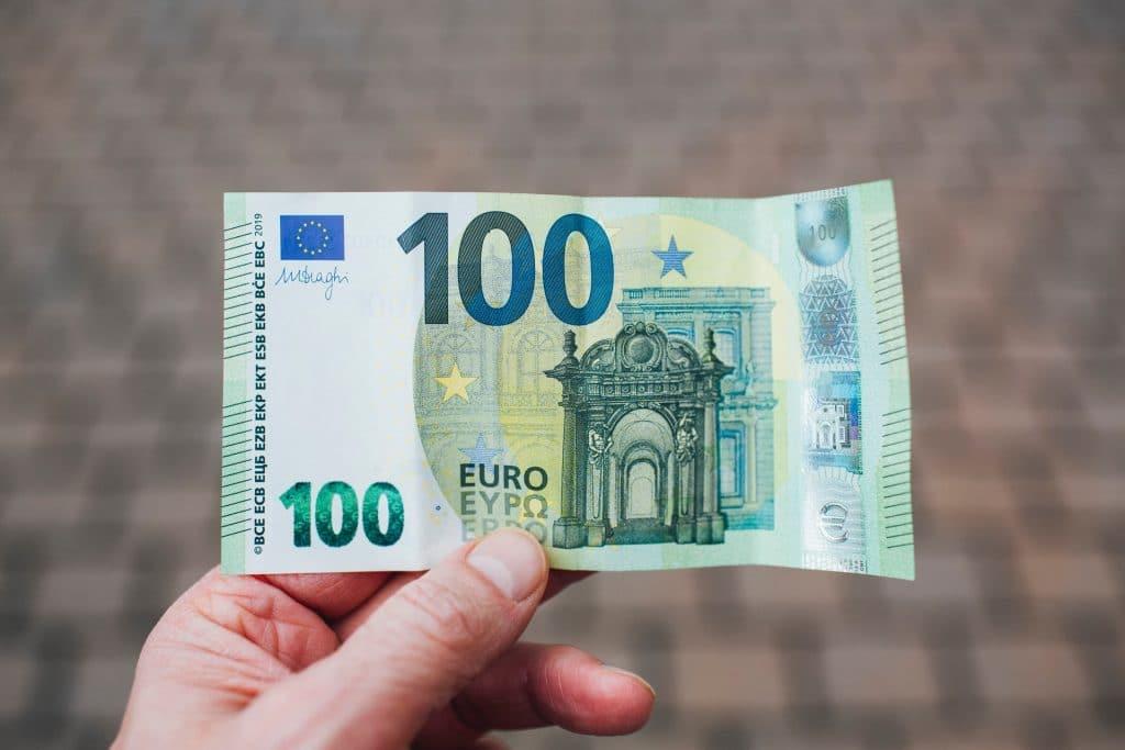 Un « Pass Culture » de 300 euros offert à tous les jeunes de 18 ans en France pour les musées, cinémas, concerts, livres…