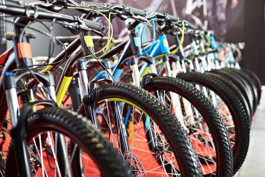 Une grande braderie de vélos d'occasion ce week-end au B'twin Village !