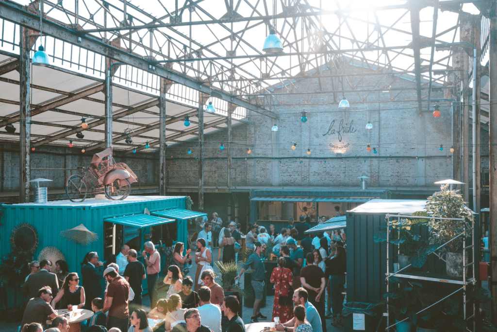 Ce week-end, la Friche Gourmande accueille une friperie géante !
