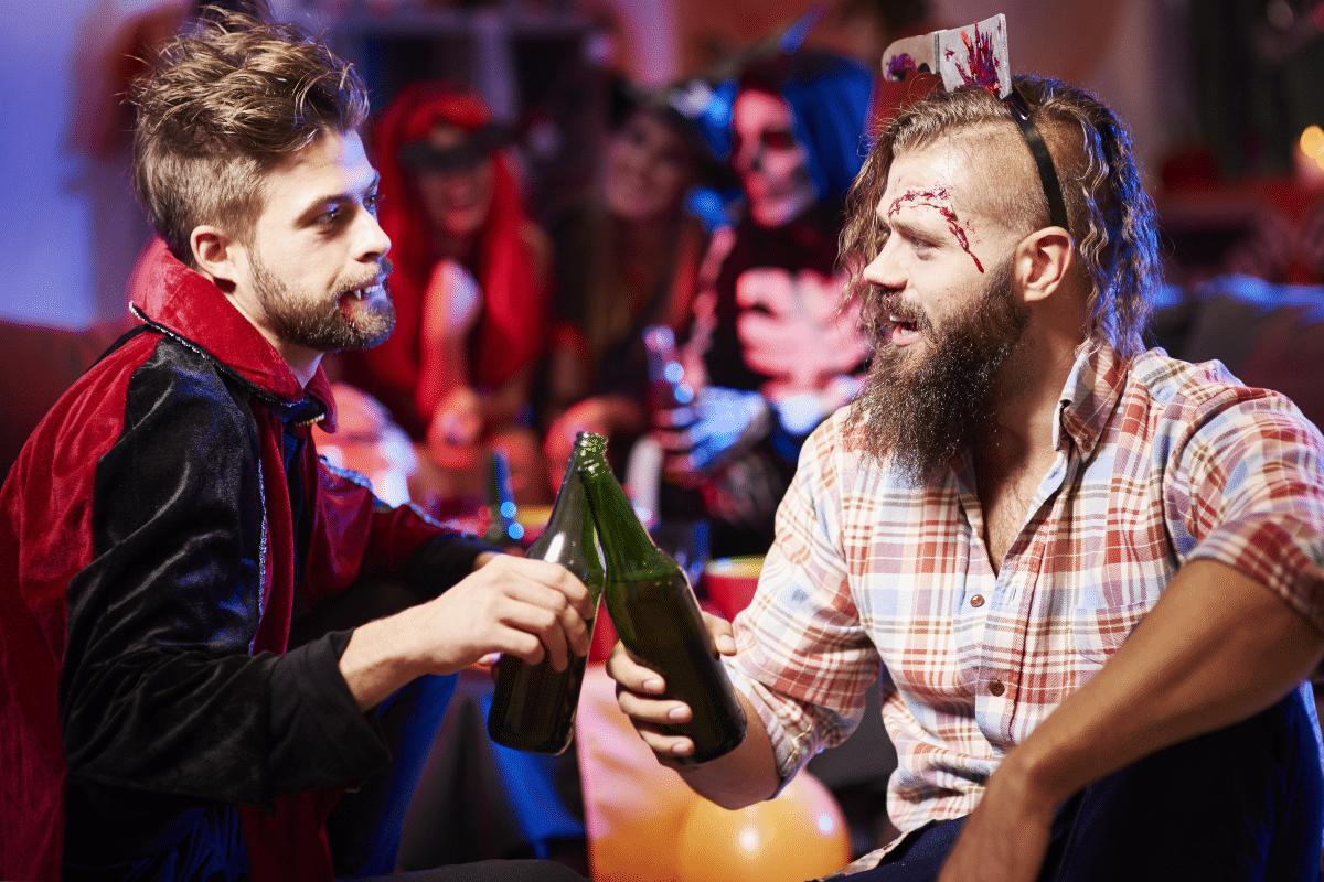 Déguisements d'Halloween dans un bar