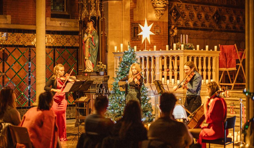 Plongez dans l'esprit des fêtes avec Candlelight Noël à l'Église Saint-Maurice !
