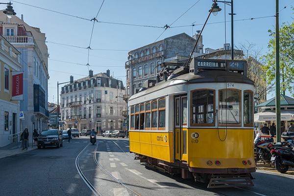 Hoje o elétrico 24 regressa a Lisboa