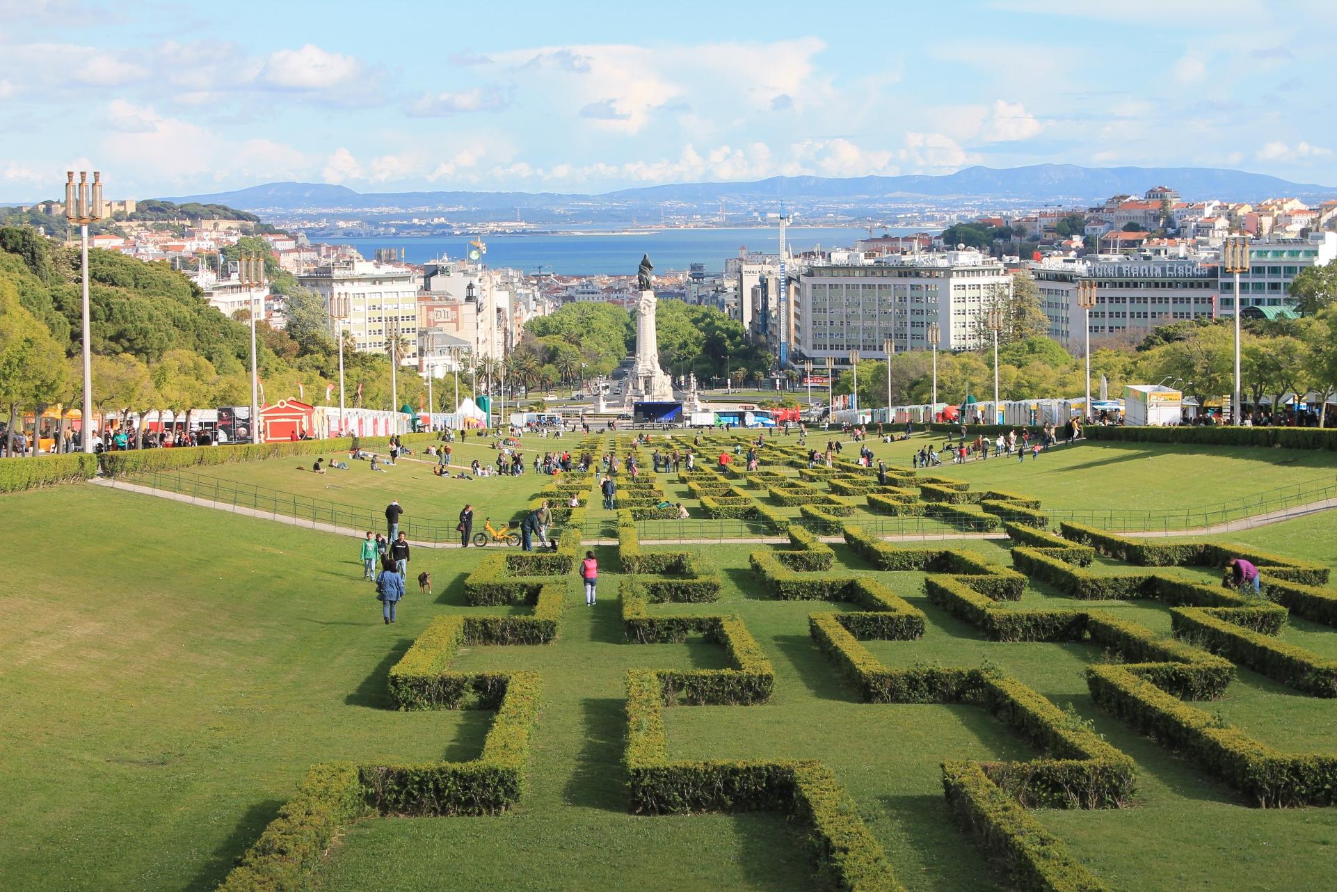 Começou a maior Feira do Livro de Lisboa!
