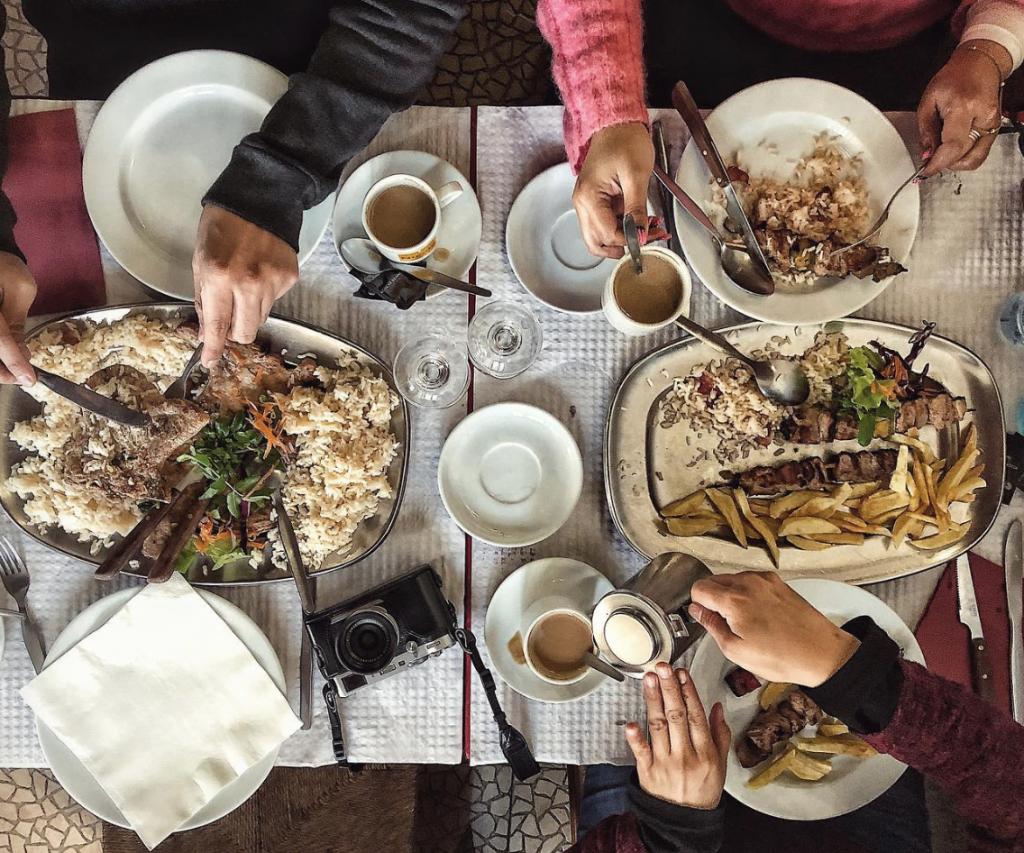 A autêntica comida portuguesa escondida no meio da Mouraria