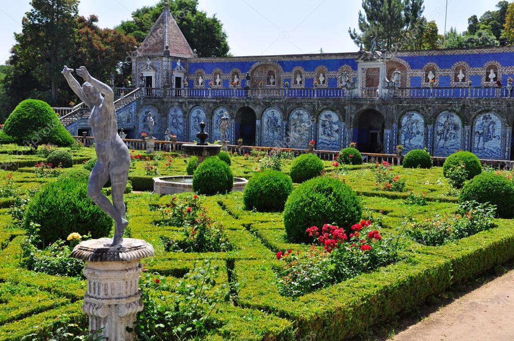 Quem disse que só há palácios nos contos de fadas?