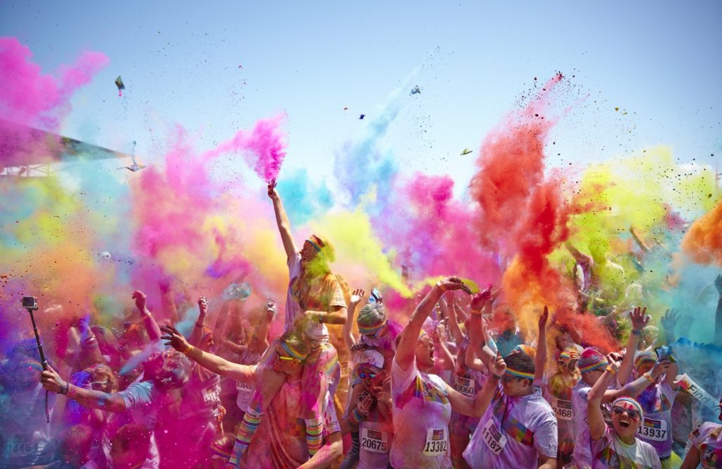 A festa das cores está de volta a Lisboa: Bollywood Holi no Martim Moniz!