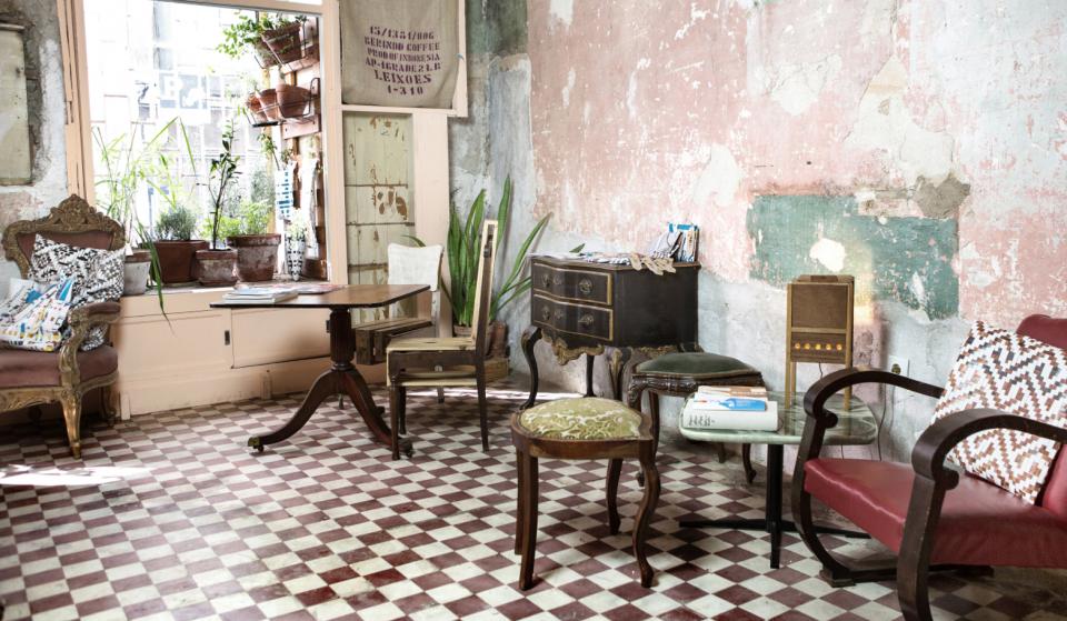 Logradouro: o bar em Lisboa que parece a tua sala de estar