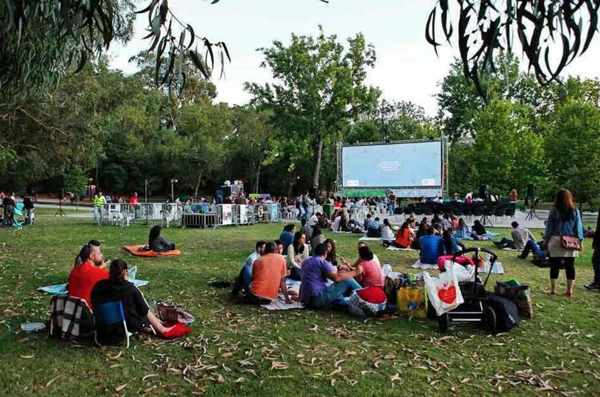 Vem aí o CineConchas: sessões de cinema ao ar livre e à borla