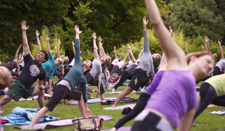 Esquece o ruído da cidade, há yoga nos jardins da Gulbenkian