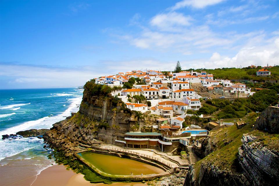 Azenhas do Mar, a aldeia de Sintra que é um postal ilustrado