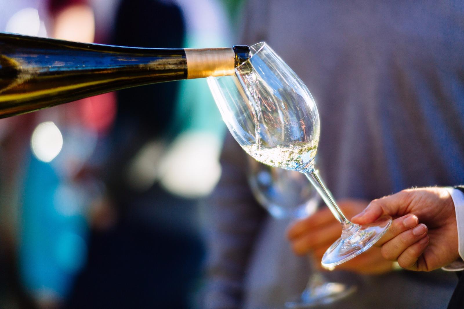 O Adegga WineMarket está a chegar a Marvila com 500 vinhos e 6 chefs