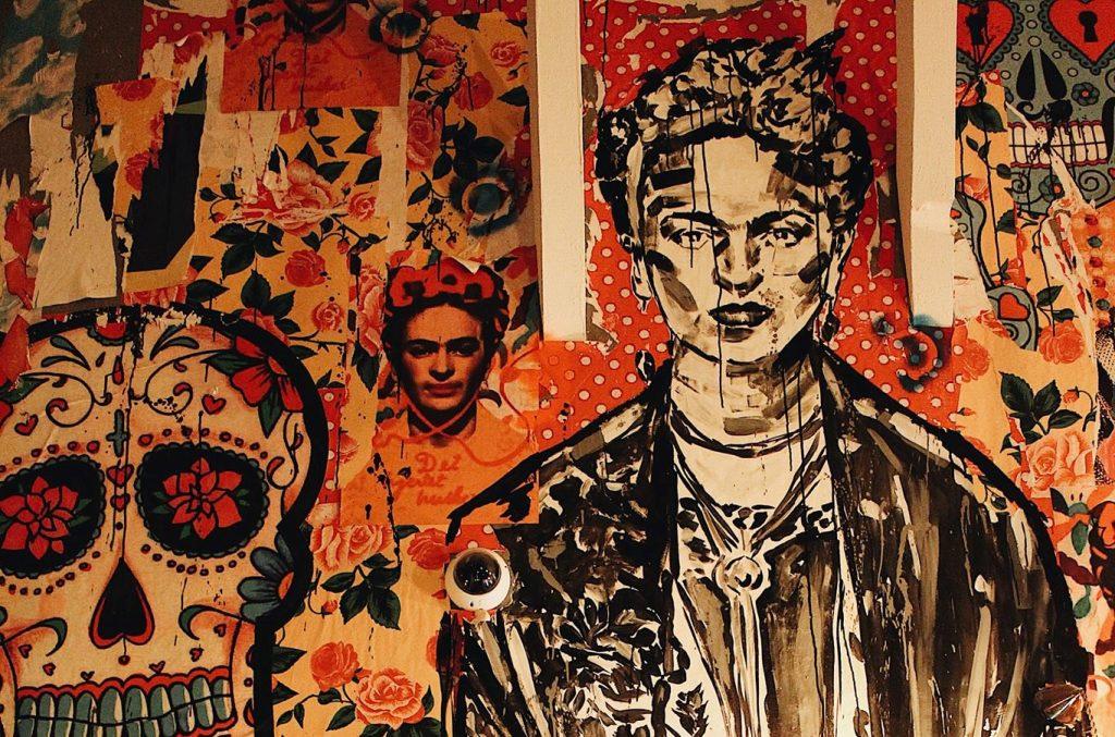 Frida Khalo subiu as escadas do El Clandestino e abancou por lá