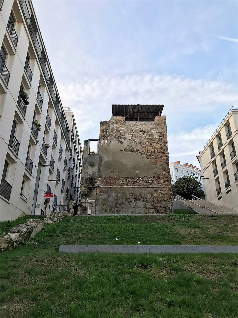 Torre do Jogo da Péla: o monumento medieval (quase) desconhecido do Martim Moniz
