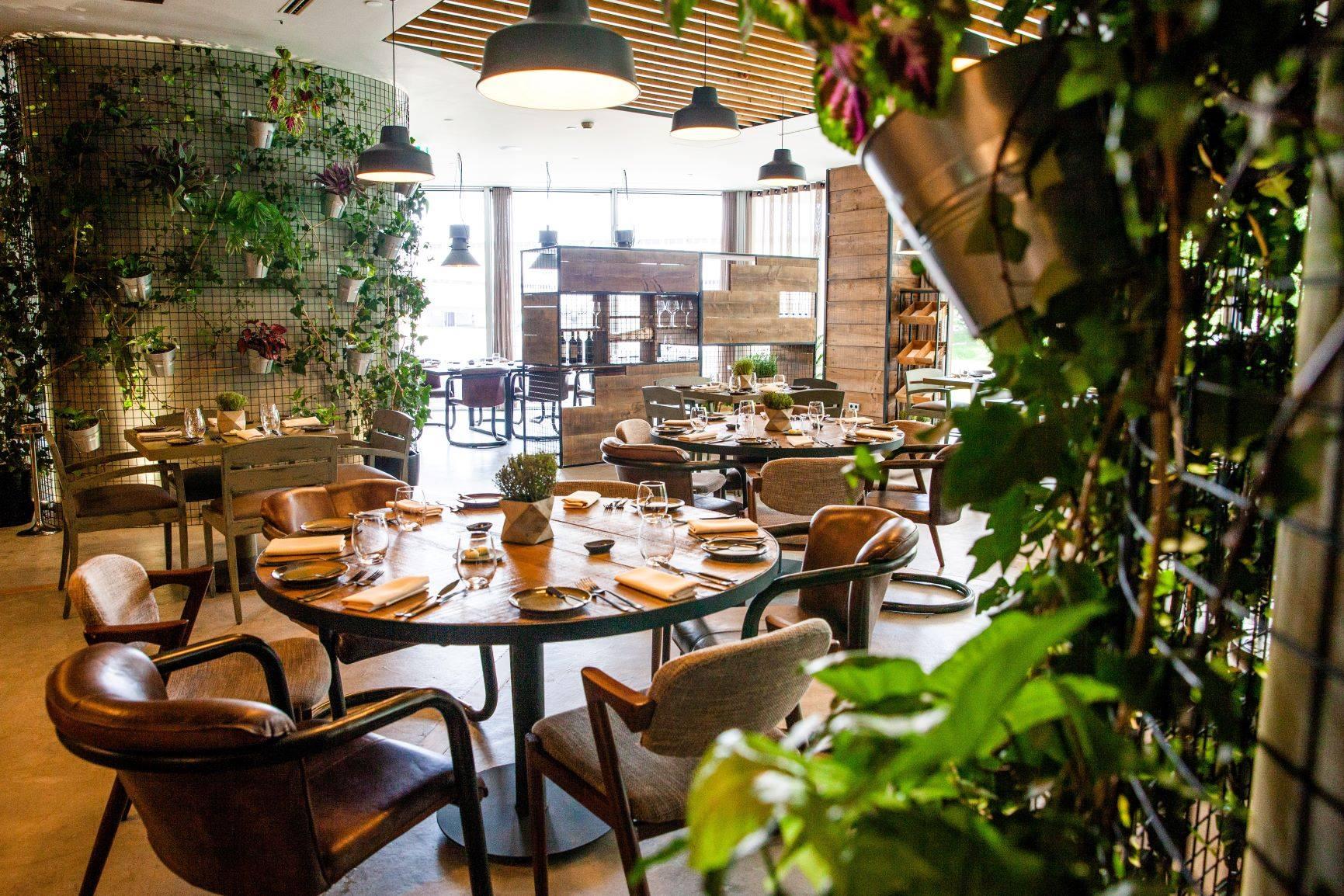 Erva: um jardim urbano com cozinha de autor
