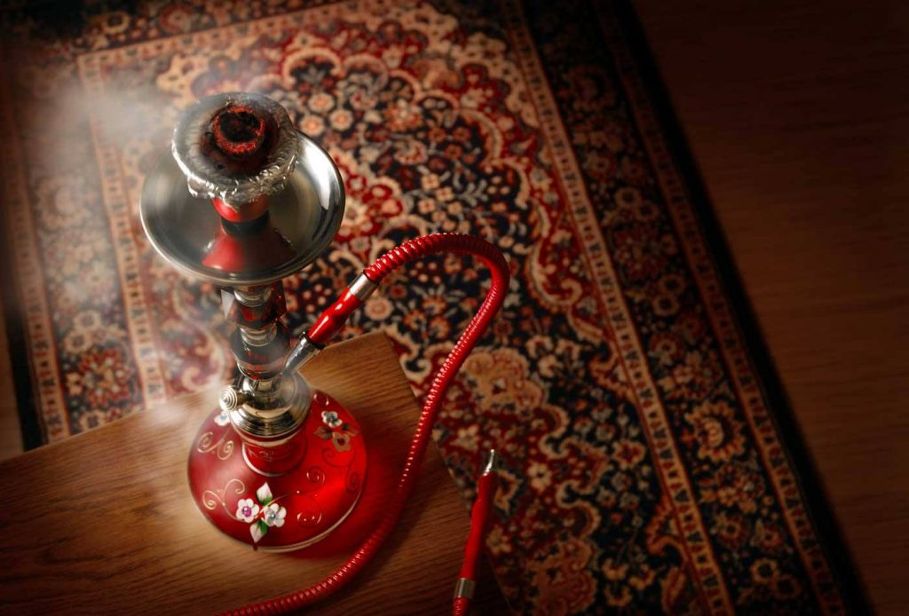 3 bares para fumar shisha e relaxar