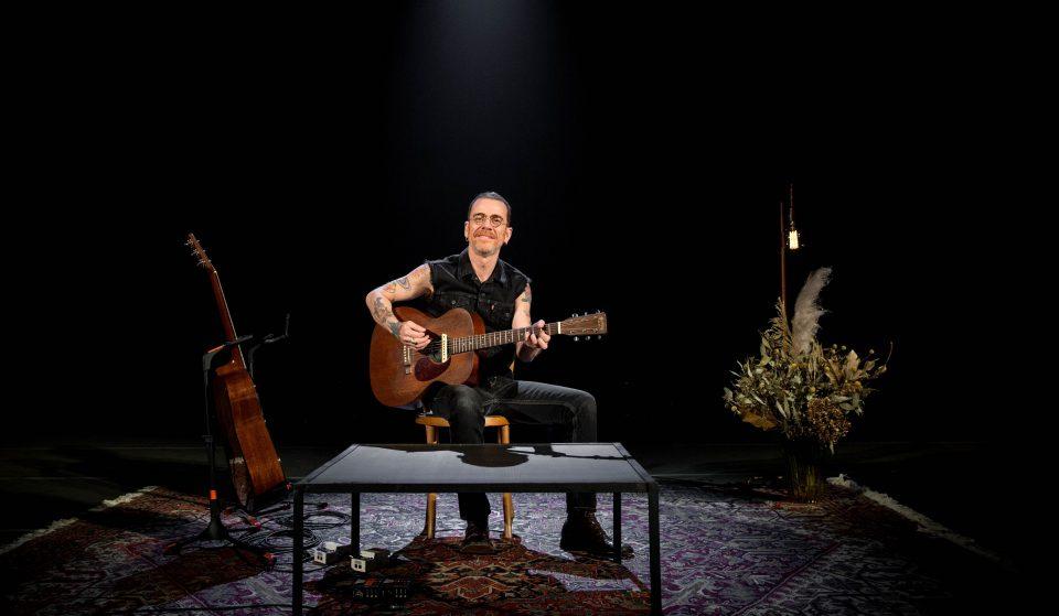Nando Reis: a estrela do pop-rock brasileiro estreia-se a solo em Portugal