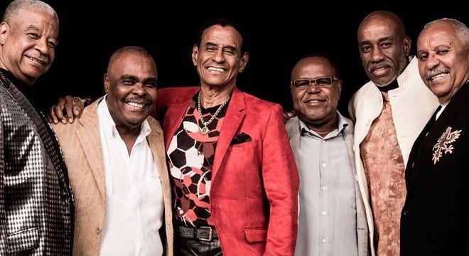 Vem aí uma noite de samba no pé: Sacundeia convida Fundo de Quintal