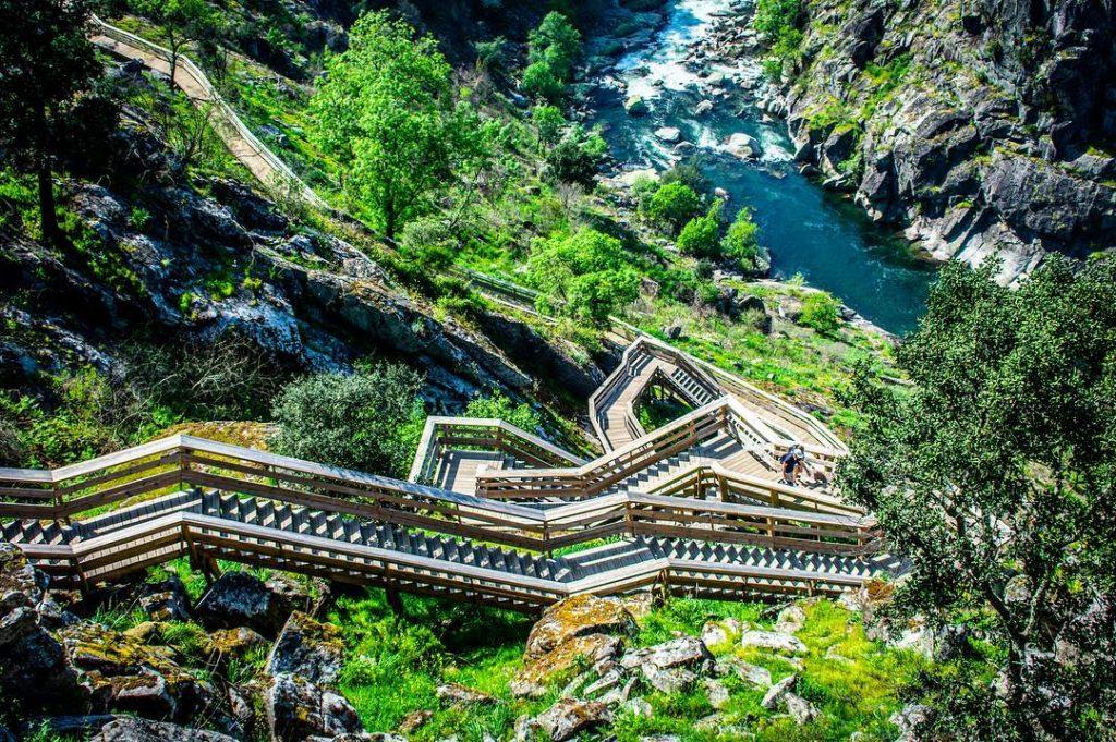 6 passadiços incríveis para descobrir em Portugal