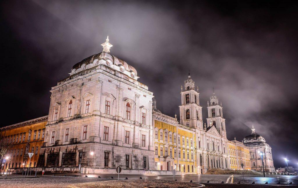 O Palácio de Mafra vai ter uma visita noturna gratuita