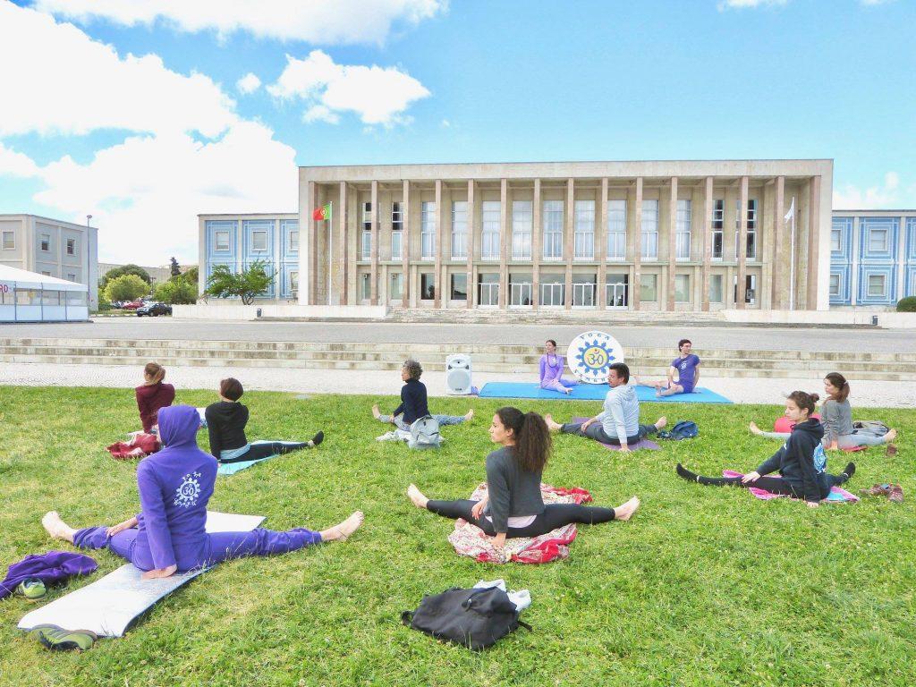Lisboa vai ter aulas de yoga grátis para combater o stress