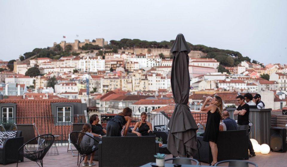 ChillArt: o novo rooftop da Baixa vai ter sunsets, brunch e ioga com vista para o Castelo