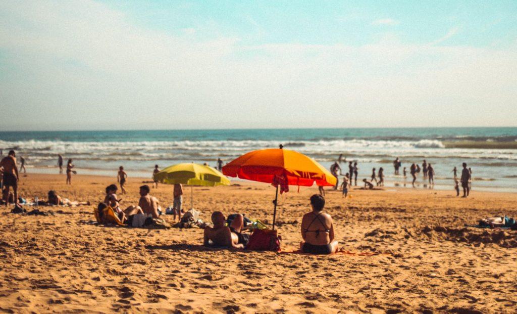 Costa de Caparica vai ter praias encerradas em agosto
