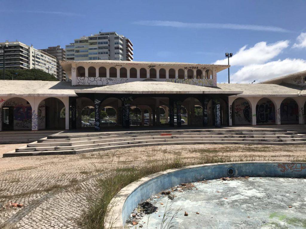 Parque infantil no antigo Aquaparque abre em outubro