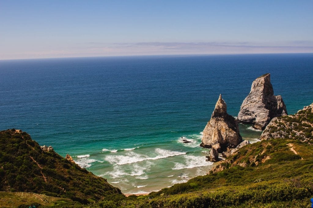 As 10 praias mais incríveis nos arredores de Lisboa