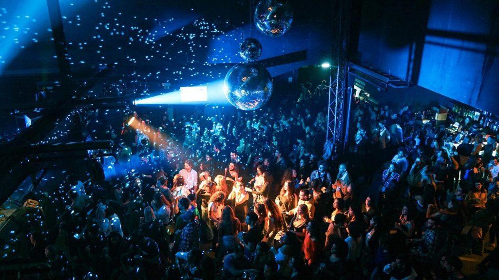 Throwback, a festa que celebra o hip-hop e R&B dos anos 2000