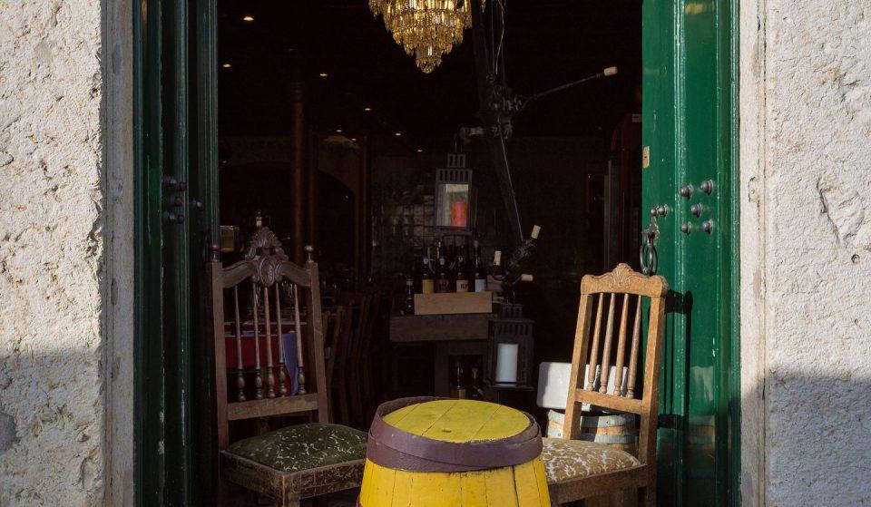 5 sítios em Lisboa onde podes comer, beber e ouvir boa música ao vivo