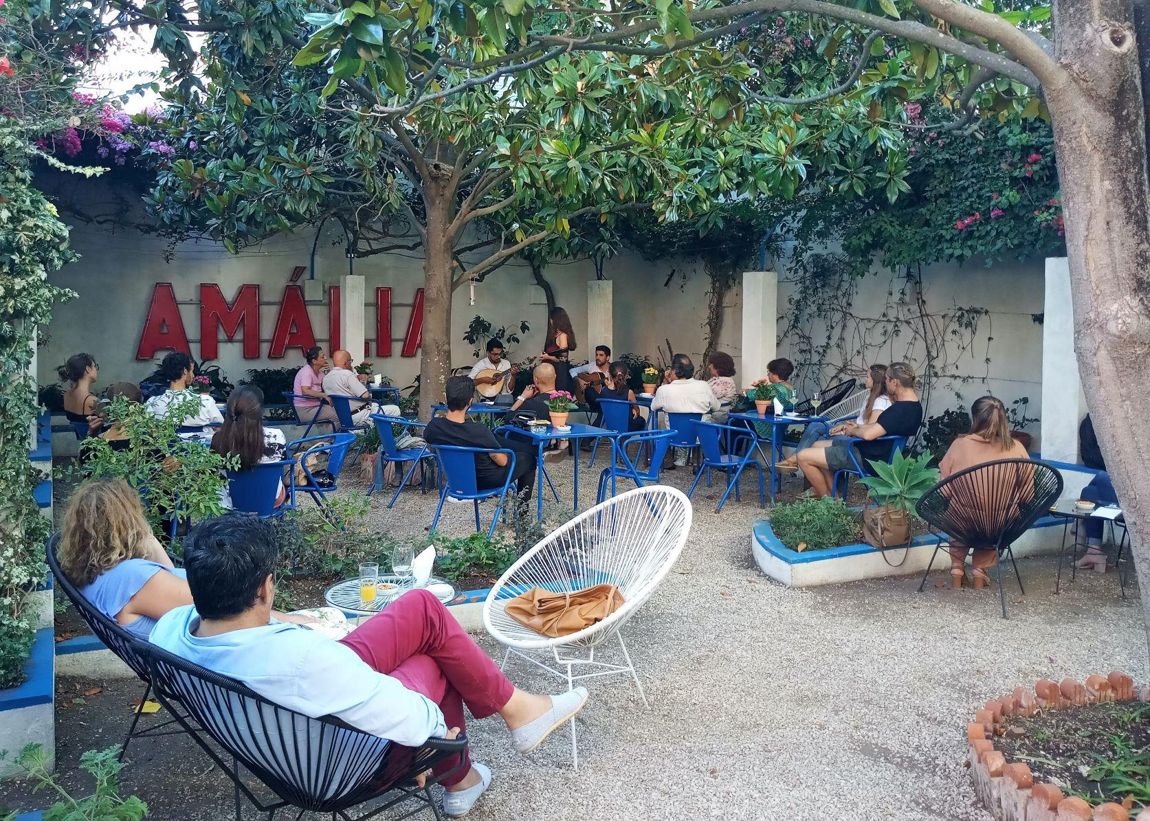 Há fado intimista no jardim da casa de Amália Rodrigues