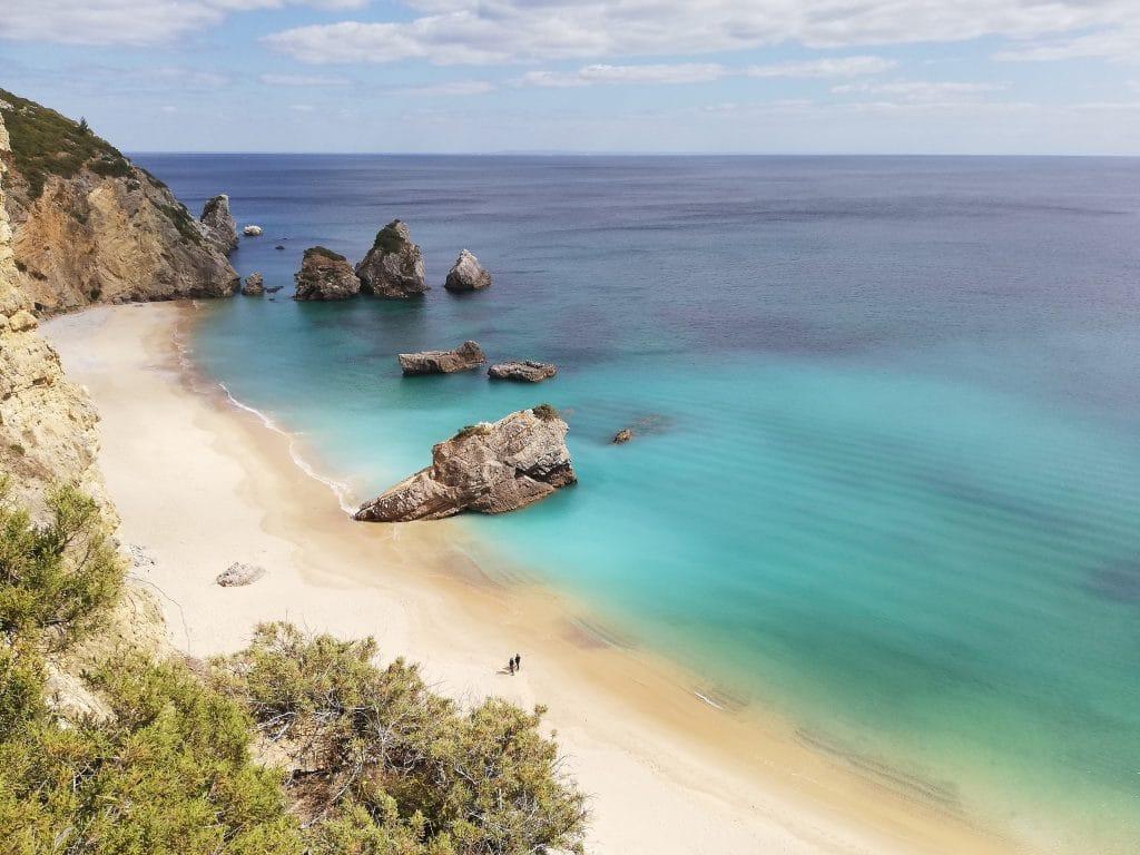 As melhores (e as mais secretas) praias de Sesimbra