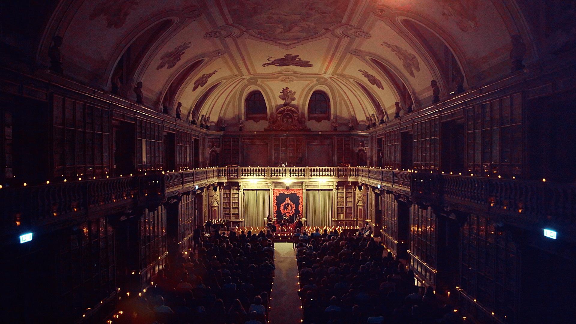 Candlelight: o concerto à luz das velas que leva música clássica a locais mágicos
