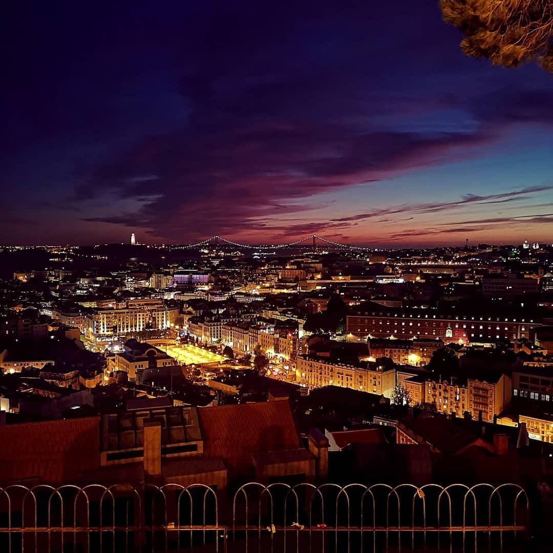 cidade de Lisboa à noite