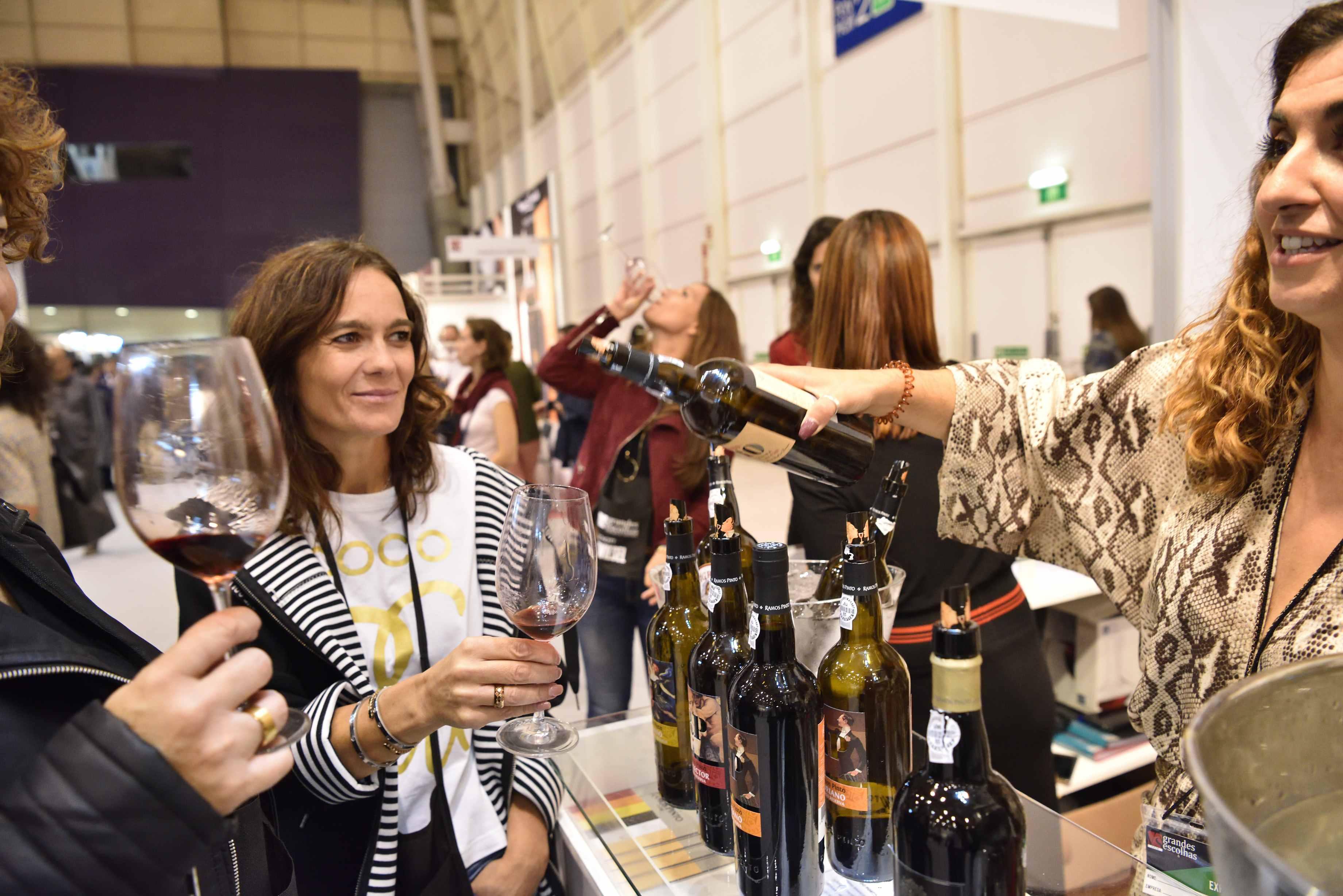 Na maior feira vínica nacional pagas 15€ e provas quase 3000 vinhos