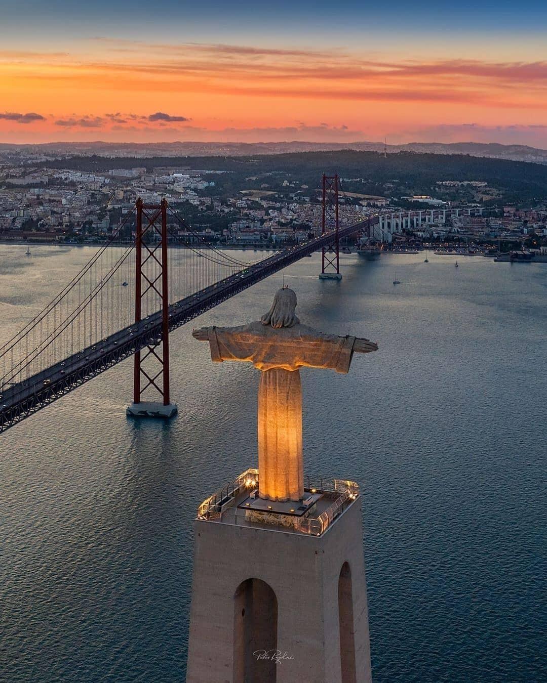 Cristo Rei de Lisboa visto de cima